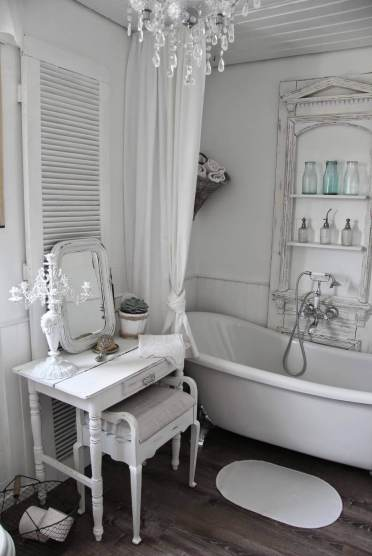 Lovely-shabby-chic-bathroom