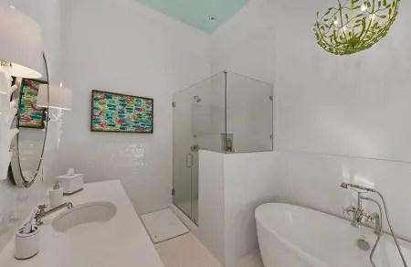 Nautical inspired bathroom