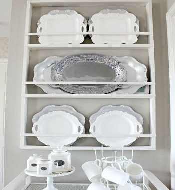 Simplistic vertical plate rack yes Uncomplicated Plate Racks Ideas To Stack Your Plates