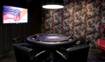 Poker-basement-game-room