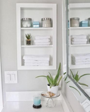 07-built-in-bathroom-shelf-storage-ideas-homebnc