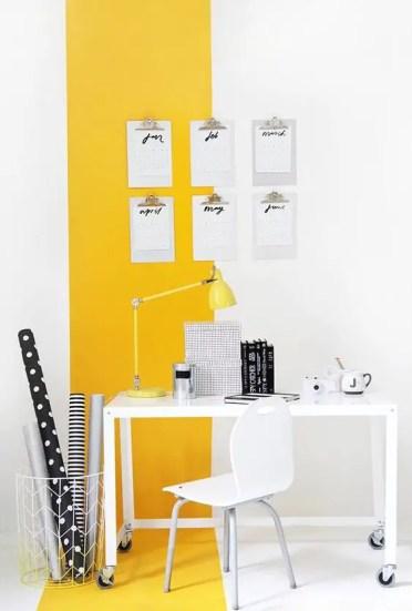 1-20-rendi-la-tua-casa-accoglienza-e-umore-in-carica con un-effetto-blocco-colore-giallo-e-bianco