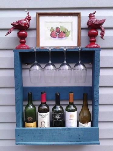 1-small-pallet-wine-rack-wine-storage-ideas
