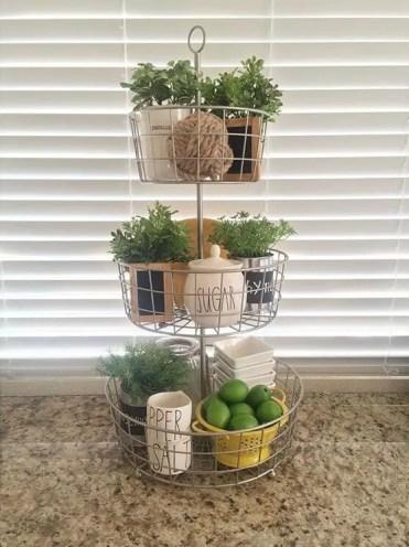 2-05-kitchen-counter-top-organizing-ideas-homebnc