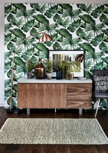 2-16-tropical-leaf-print-wallpaper-will-spruce-up-your-living-room-and-make-it-chic