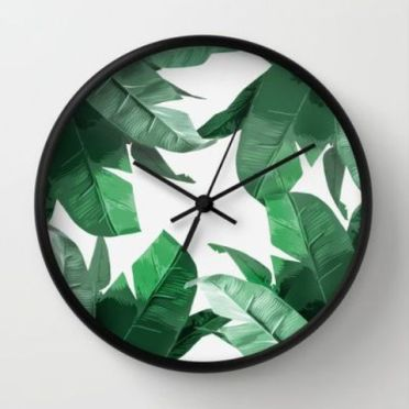 21-palm-leaf-print-wall-clock-can-be-made-on-your-own-you-just-need-some-self-adhesive-wallpaper