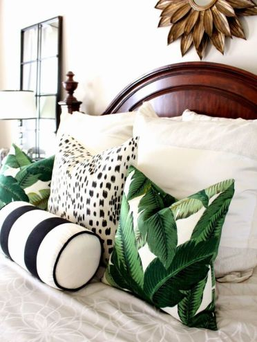 3-11-tropical-leaf-print-pillows-will-spruce-up-your-bedroom-and-make-it-summery