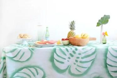 4-diy_tropical_leaf_tablecloth_5