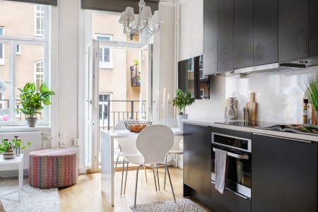 Beautiful apartment design with visual separation and even a feeling of airiness 2
