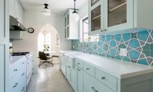 Bright and cheerful spanish kitchen style