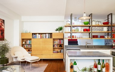Good kitchen with open shelves