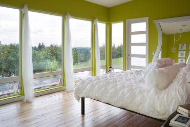 Green-and-white-create-a-cozy-setting-in-the-contemporary-bedroom