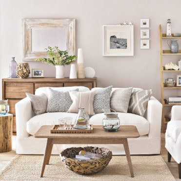 Ideal-home-white-country-living-room-david-brittain-920x920-2