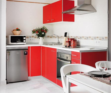 Small apartment interior design with interesting game of colors 3