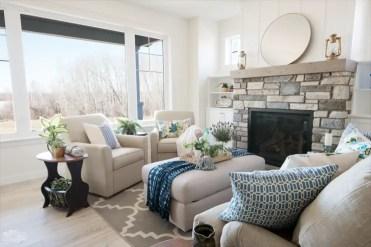 Traditional-coastal-cottage-summer-living-room-7