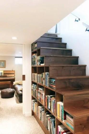 Libreria-seminterrato-per-libri-ispirazione-sotto-scale