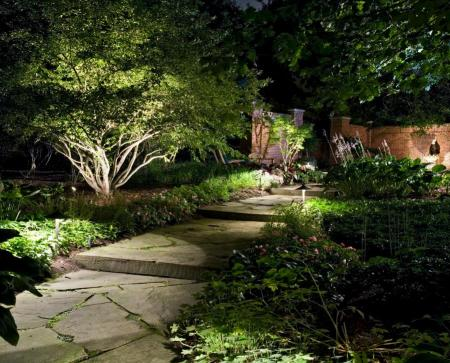 Solar path lights for outdoor