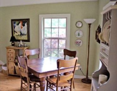 1-54eb06ad82a42_-_dining-room-before-family-0909-de