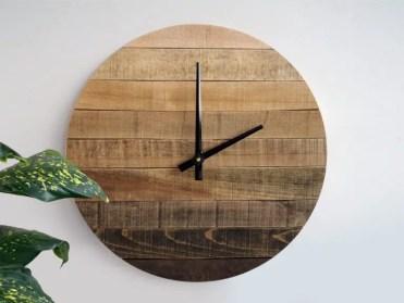 15-creative-handmade-wall-clock-designs-you-will-want-to-diy-5-768x580-1