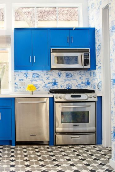 2-painted-cabinets-12-1554916440