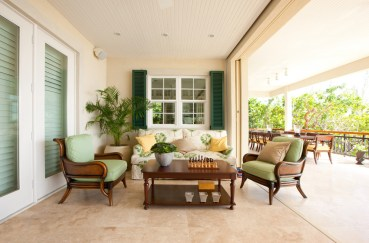 3-15-delightful-tropical-porch-designs-that-will-amaze-you-10