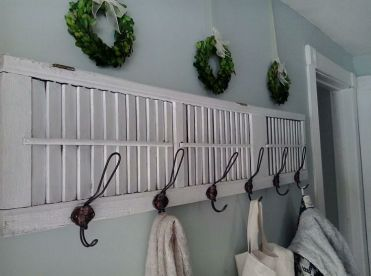 Coat-rack-made-from-an-old-shutter