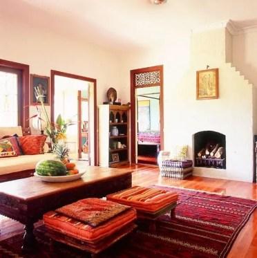 Living-room-design-ideas-moroccan-style-carpet-stools