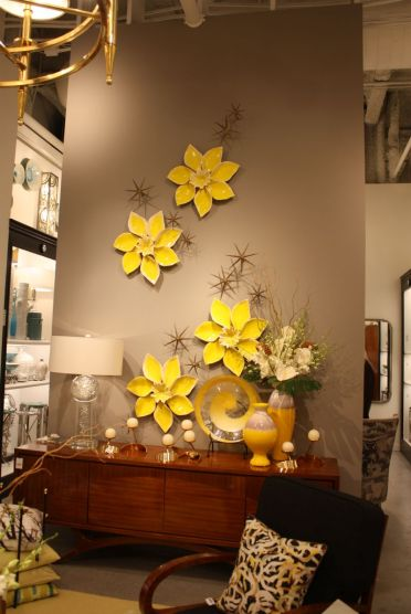 Porcelain-yellow-flowers-on-wall