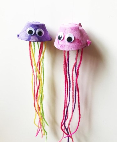 Egg-carton-jellyfish-craft-for-kids-the-art-kit-10