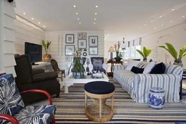 Living-room-furniture-ideas-bhite-striped-sofa-cover-striped-area-rug