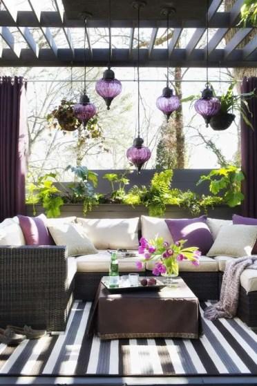 Modern-patio-design-outdoor-furniture-pergola-moroccan-lanterns