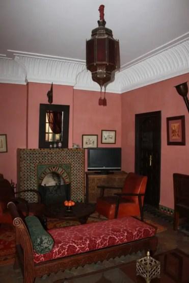 Relaxing-moroccan-living-rooms-14-554x831-1