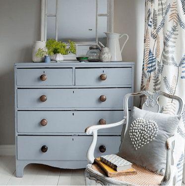 15-grey-dresser-with-metal-knobs-for-a-vintage-style-bedroom