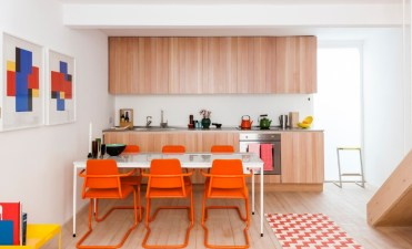 2-get-ready-for-summer-with-these-colorful-dining-room-ideas-10