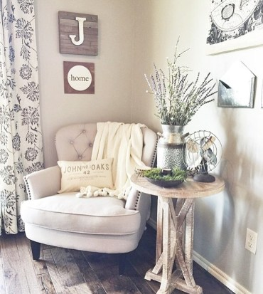 27-comfy-farmhouse-living-room-designs-to-steal-12