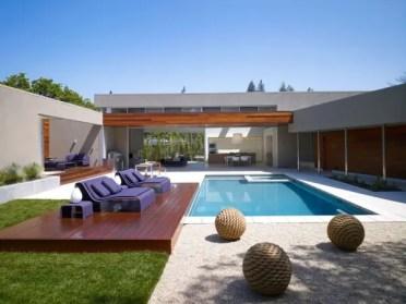 Farmhouse-pool-lounge-idea