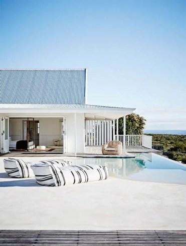 Minimalistic-pool-design