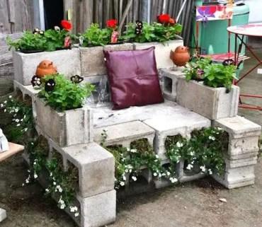 Cinder_block_garden_chair-1