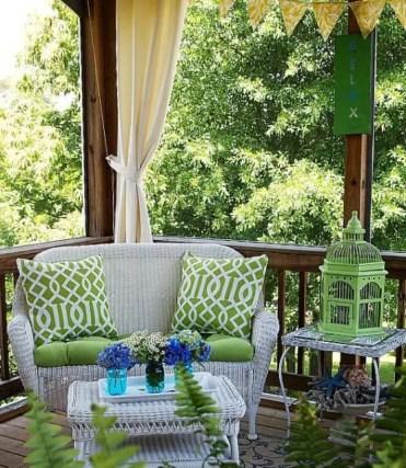 Joyful-summer-porch-decor-ideas-36-554x638-1