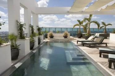 Modern-patio-outdoor-swimming-pool-pergola-sun-protection-ideas