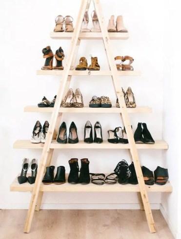 07-wooden-ladder-shoe-display