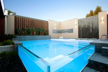 15-glass-pool