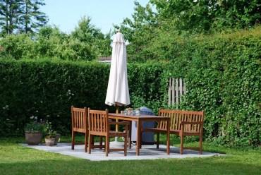 17-garden-hedge-designs-870x582-1