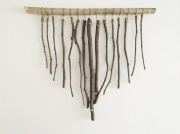 3-diy-branch-and-twig-decorations-for-spring-5-775x581-1
