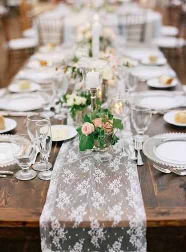 3-lace-table-runner