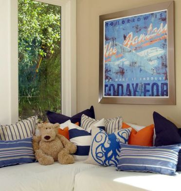 30-ideas-for-decorating-wall-with-posters-a-vintage-atmosphere-in-modern-interior-design-29-434