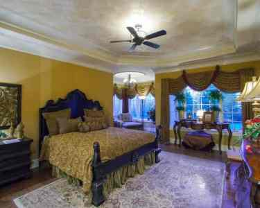 4-dedroom-traditional-style-2-story-home-bedroom-may52020-min