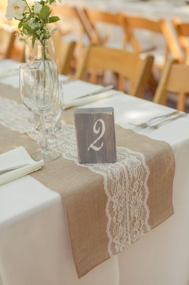Burlap-lace-table-runner