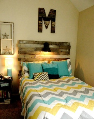 How-to-build-a-pallet-headboard