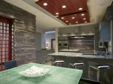 Cucina-con-incasso-pannelli-soffitto